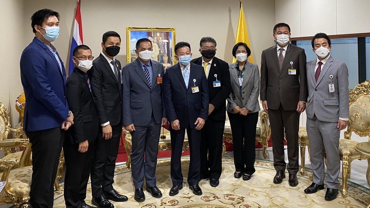 ผู้นำฝ่ายค้าน หารือ รมช.ท่องเที่ยวกัมพูชา ถกแนวทางเปิดประเทศ