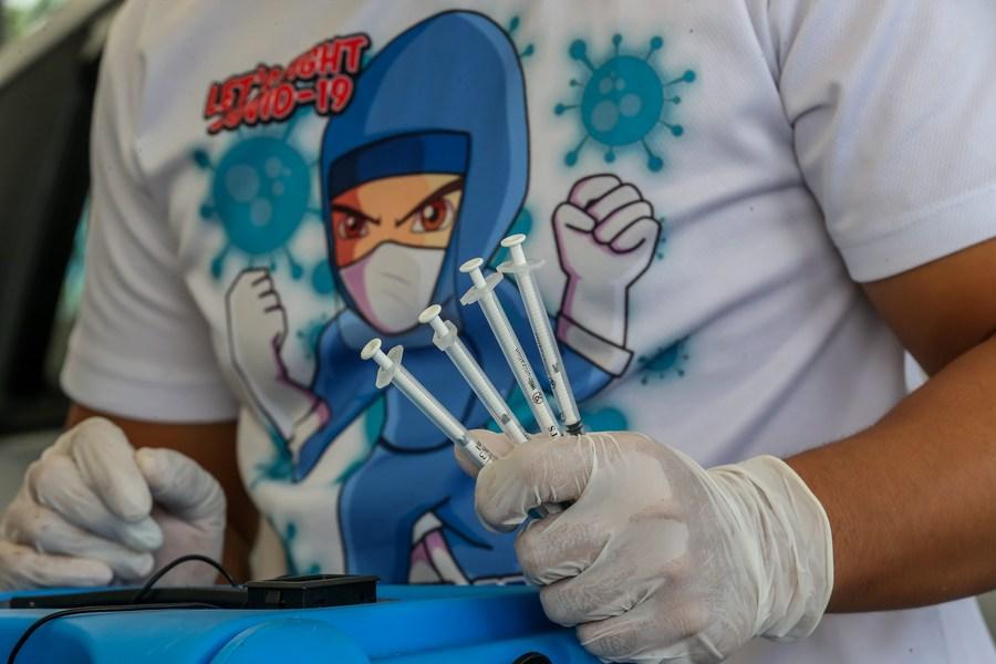 จีนส่งวัคซีนโควิด-19 'ซิโนแวค' ชุดใหม่ให้ฟิลิปปินส์