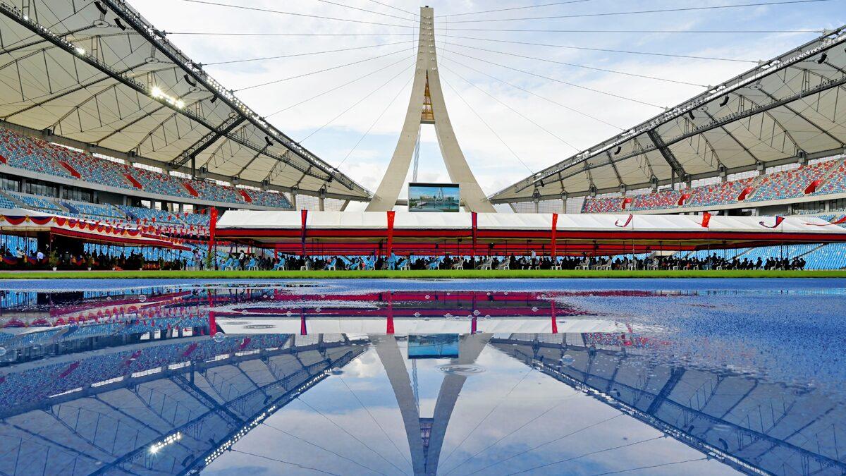 """กัมพูชาขอบคุณ """"ของขวัญ"""" แห่งมิตรภาพ จีนส่งมอบสนามกีฬามูลค่า 5 พันล้าน"""