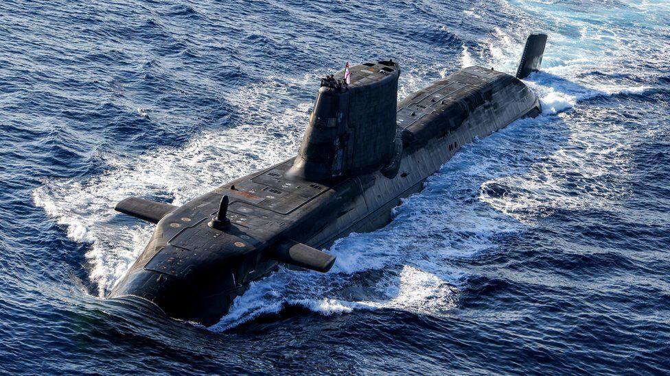 AUKUS : สหรัฐฯ จะช่วยออสเตรเลียสร้างเรือดำน้ำพลังงานนิวเคลียร์ ถ่วงดุลอิทธิพลจีน