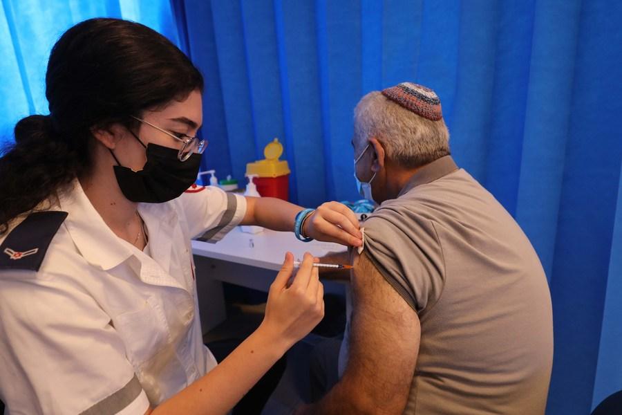 อิสราเอลศึกษาพบวัคซีนโควิด-19 โดส 3 เพิ่มภูมิคุ้มกัน 10 เท่า