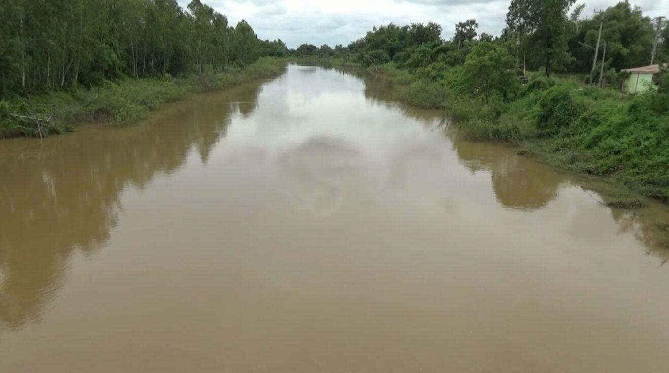 แม่น้ำยมสายเก่าเริ่มสูง หลังมีการระบายน้ำจากสุโขทัย