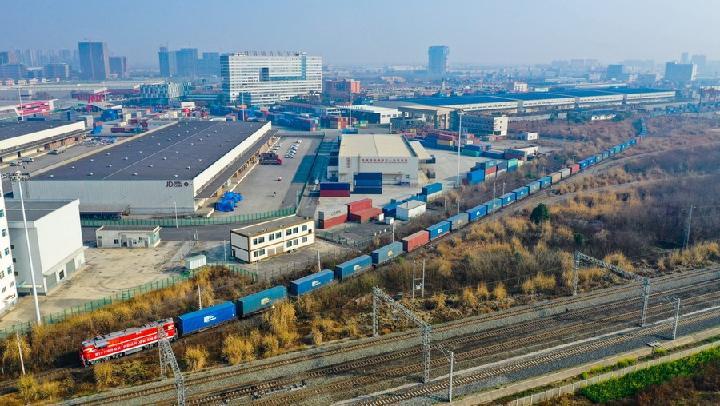 เฉิงตูเปิด 'รถไฟสินค้าจีน-ยุโรป' สายใหม่ วิ่งตรงสู่โปแลนด์