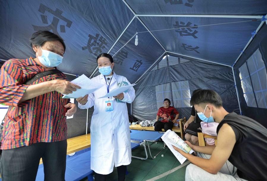 เสฉวนตั้งค่ายผู้ประสบภัยแผ่นดินไหว พร้อมป้องกันโรคระบาด