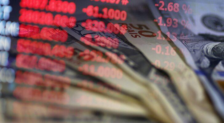คิดเห็นแชร์ : นักลงทุนโยกย้ายเงินเข้าตลาดหุ้นมากเกินไปหรือยัง?
