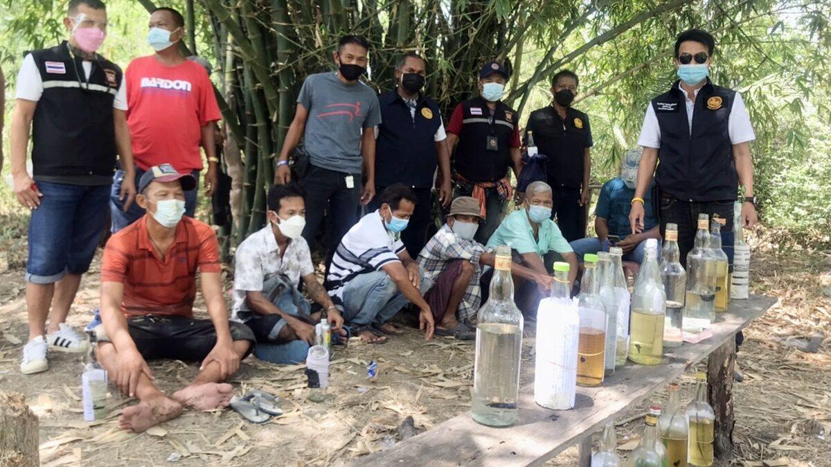 คอตกเกมยกก๊วน! บุกป่าจับ 8 ผู้เฒ่าว่างงาน ชวนแก๊งรวมตัวกัดปลากัด