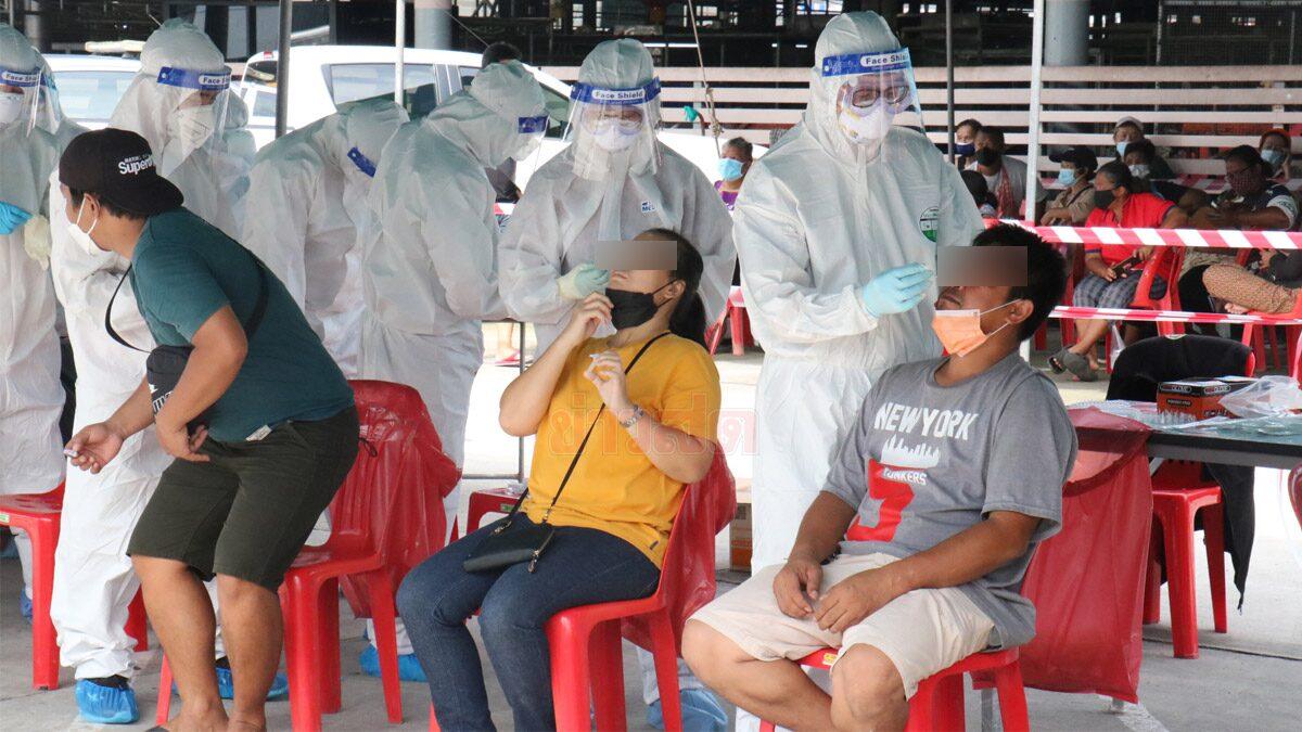 คลัสเตอร์ตลาดสุรนารีลาม ติดโควิดร่วม 500 คน หวั่นเตียงเต็ม เร่งย้ายผู้ป่วยสีเขียวไป รพ.สนาม