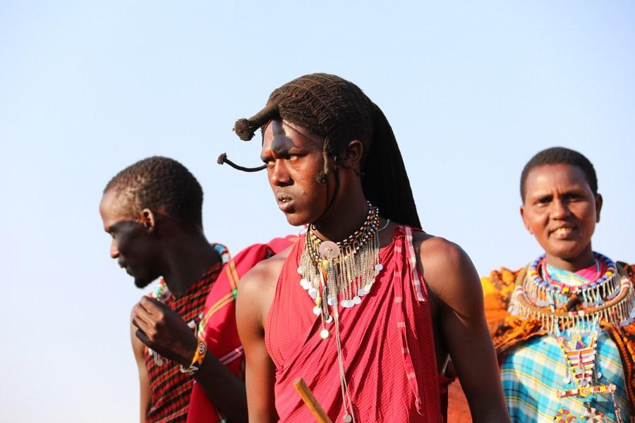 ส่องวิถีชีวิต 'ชนเผ่ามาไซ' ในทุ่งหญ้าของเคนยา