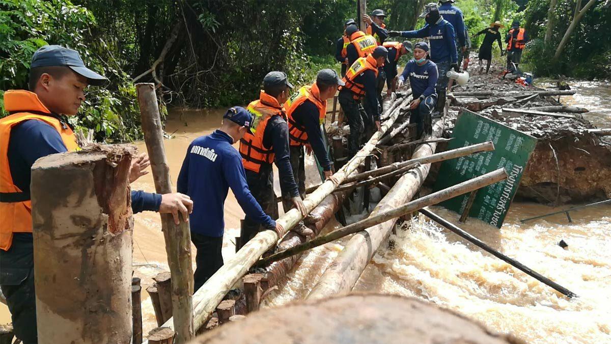 พิษณุโลกวุ่น พนังกั้นแม่น้ำวังทองแตกอีกแล้ว น้ำเอ่อล้น ท่วมหลายจุด