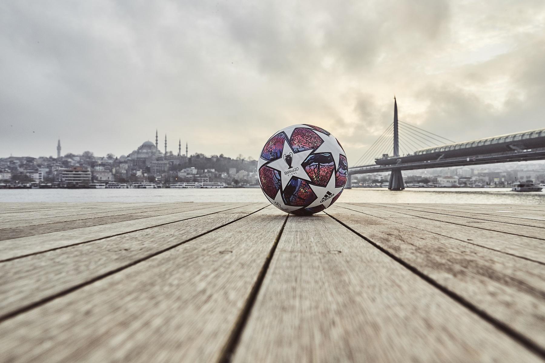 ฟุตบอล, ยูฟ่า แชมเปี้ยนลีกส์, ลูกฟุตบอล, ฟินาเล่ อิสตันบูล, อาดิดาส