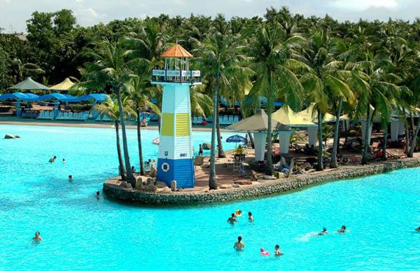 """ชวนไป คลายร้อนที่ """"สยาม พาร์ค"""" สวนน้ำที่ใหญ่ที่สุดในเอเชีย ทะเลกรุงเทพฯ"""