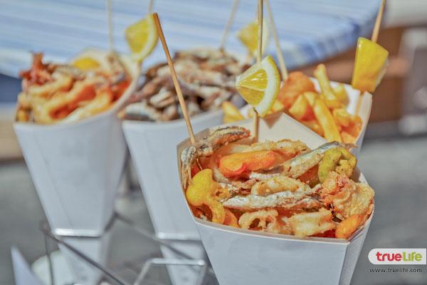 11.Sea food in cones