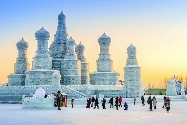 harbin-ice-festival_aphotostory_shutterstock-com
