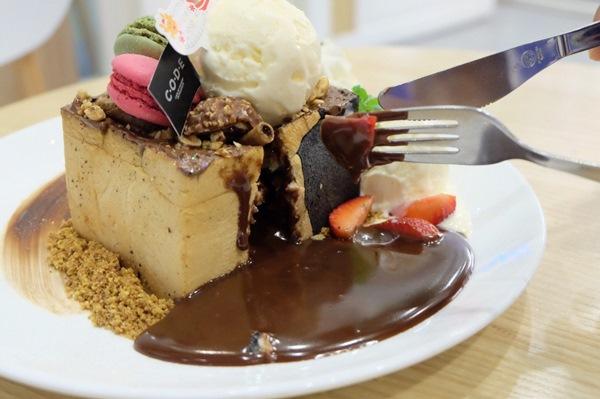 CODE Dessert Cafe เปิดตัวเมนูใหม่กับ Nutella Lava Toast โทสต์ลาวานูเทลล่าไส้ทะลัก และ Xmas