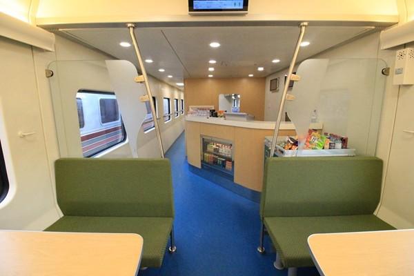 new-train-03