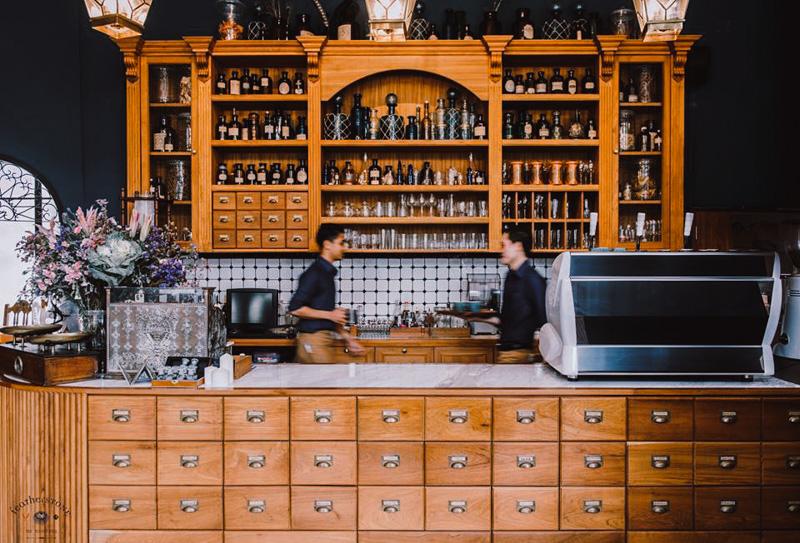 Featherstone Bistro Café