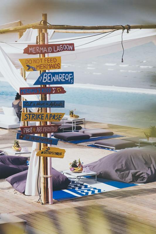 Sretsis Mermaid Bar and Shop