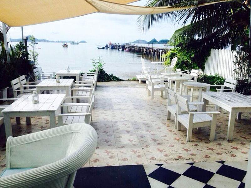 Cafe De Sea