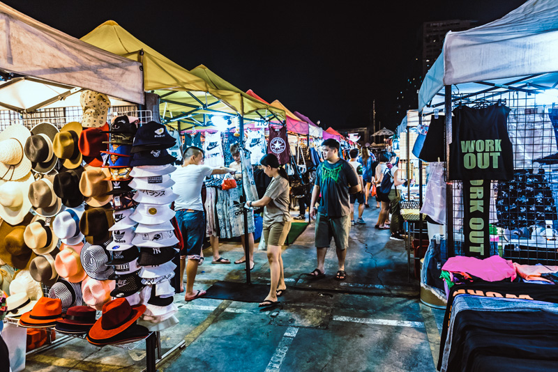 Rot Fai Night Market Ratchada