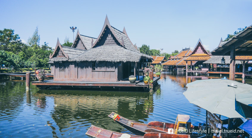 floating market Ancient Siam
