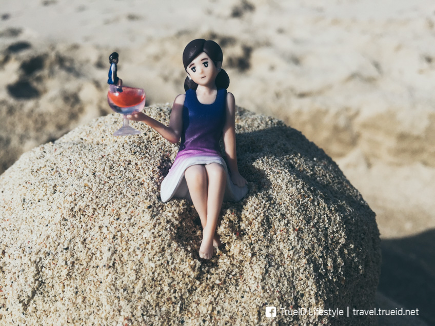 gashapon Relaxing on the beach