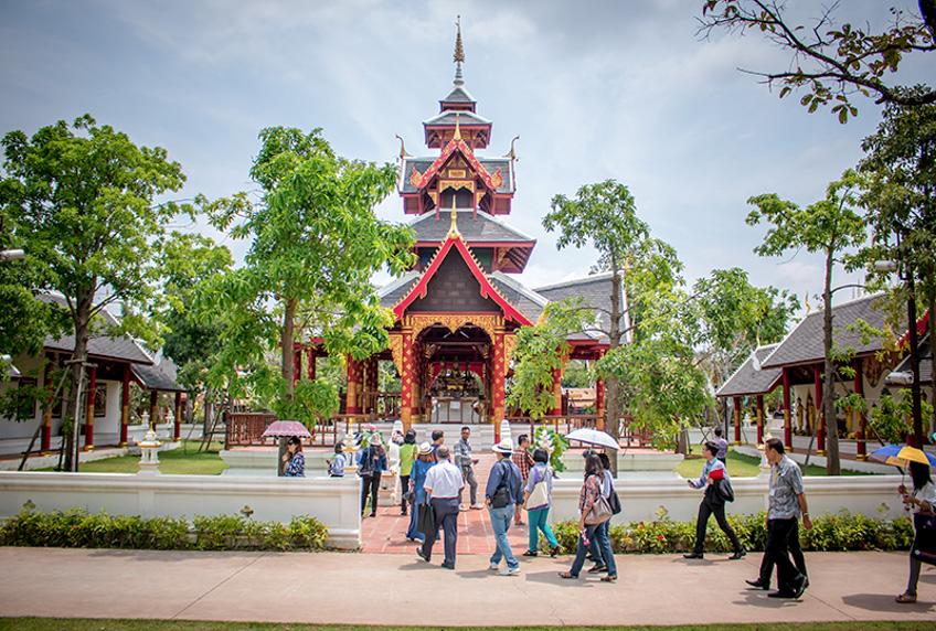 ที่เที่ยว ใส่ชุดไทย ถ่ายรูปสวย