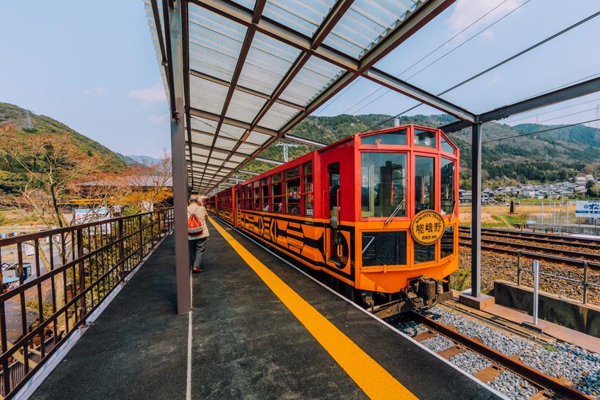 รถไฟชมวิวซากาโน่ ที่เที่ยวเกียวโต