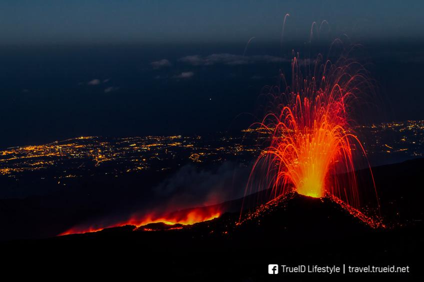 ปรากฏการณ์ธรรมชาติ  Volcanic lightning