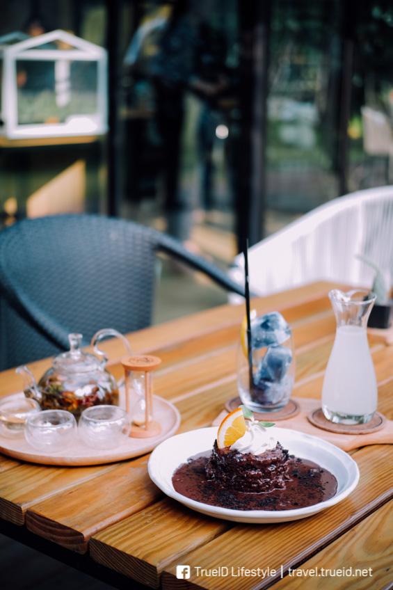 คาเฟ่ กาญจนบุรี Village Farm To Café