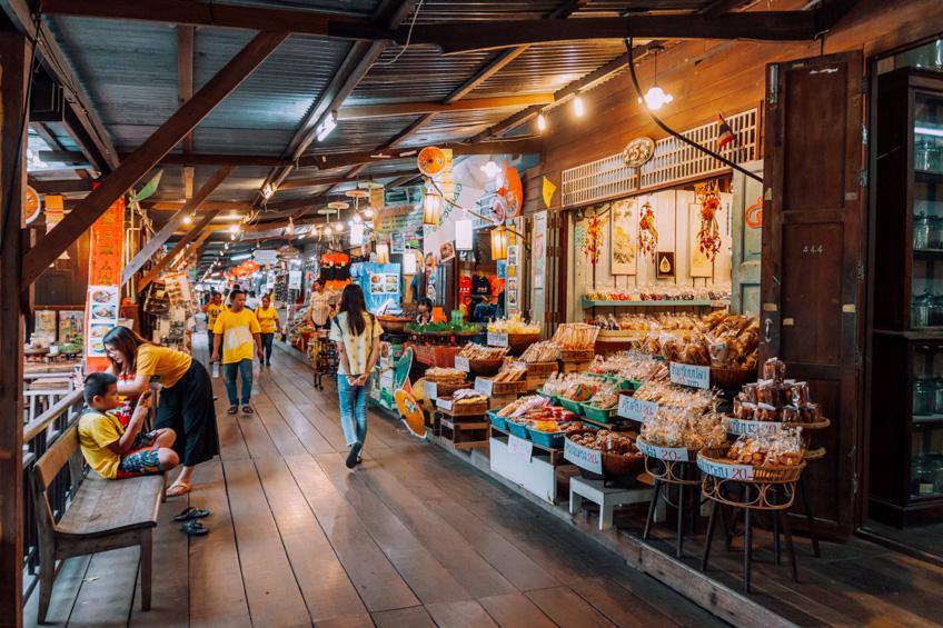 ตลาดเกาะกลอย ที่เที่ยวระยอง