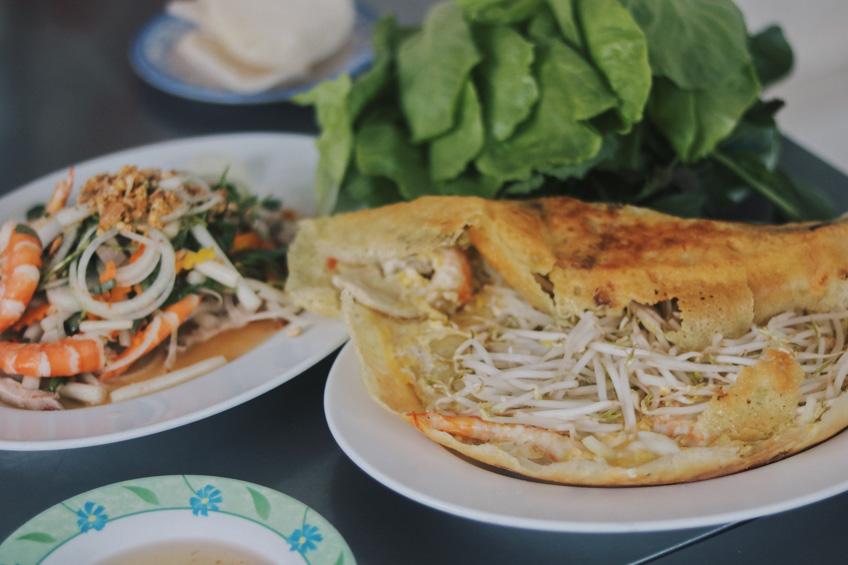 ขนมเบื้องญวน เที่ยวโฮจิมินห์
