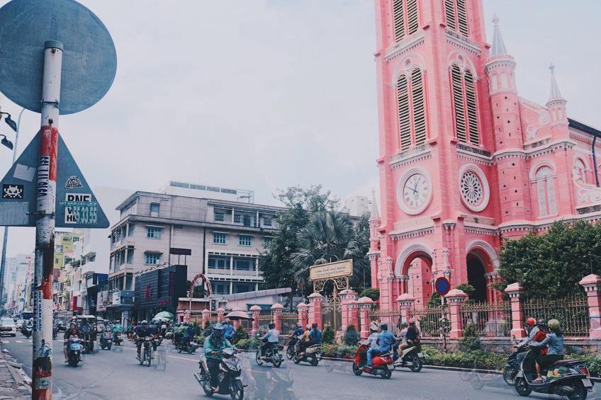 เที่ยวโฮจิมินห์ โบสถ์สีชมพู