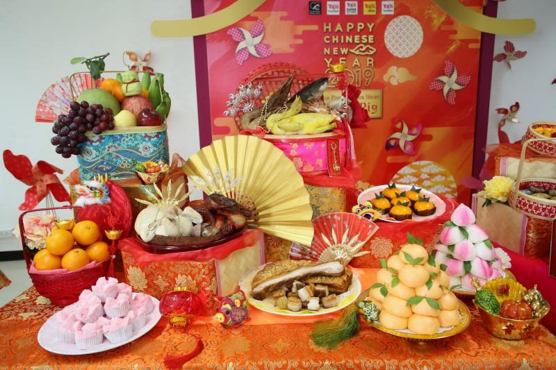 จัดโต๊ะไหว้เสริมมงคล ตรุษจีน