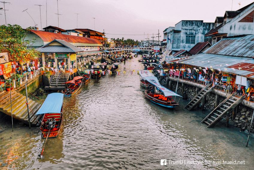ตลาดน้ำอัมพวา ที่เที่ยวใกล้กรุงเทพ