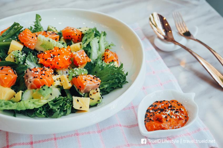 Bowlnus อาหารสุขภาพ คาเฟ่สีชมพู