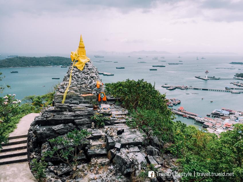 พระพุทธบาท เกาะสีชัง