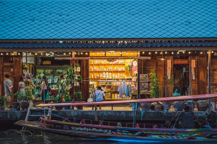 ตลาดน้ำอัมพวา ที่เที่ยวสมุทรสงคราม
