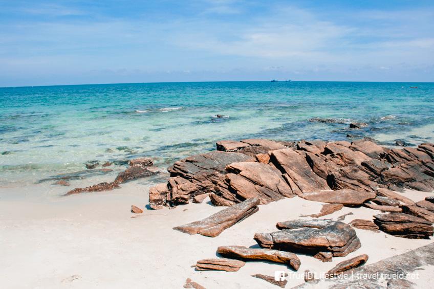 อ่าวไผ่  ที่เที่ยวเกาะเสม็ด
