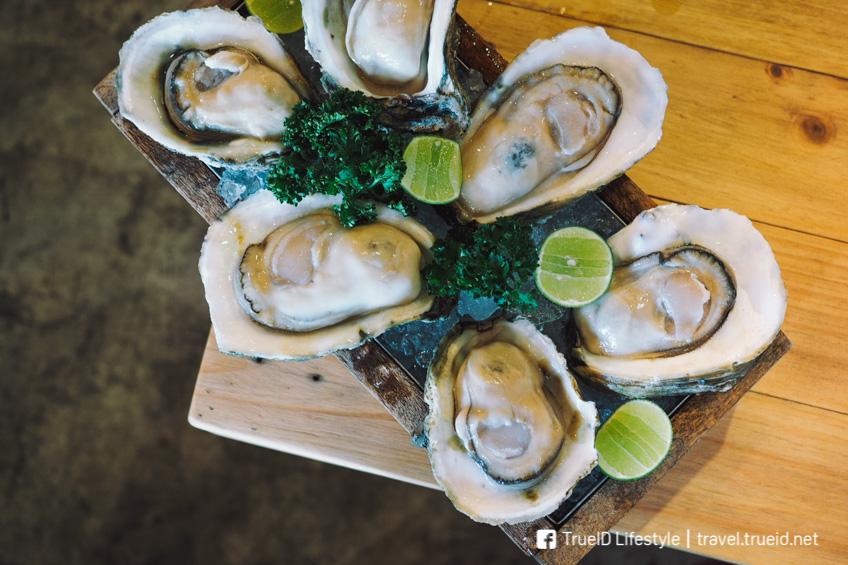หอยนางรมสด Oyster Bay Bangkok