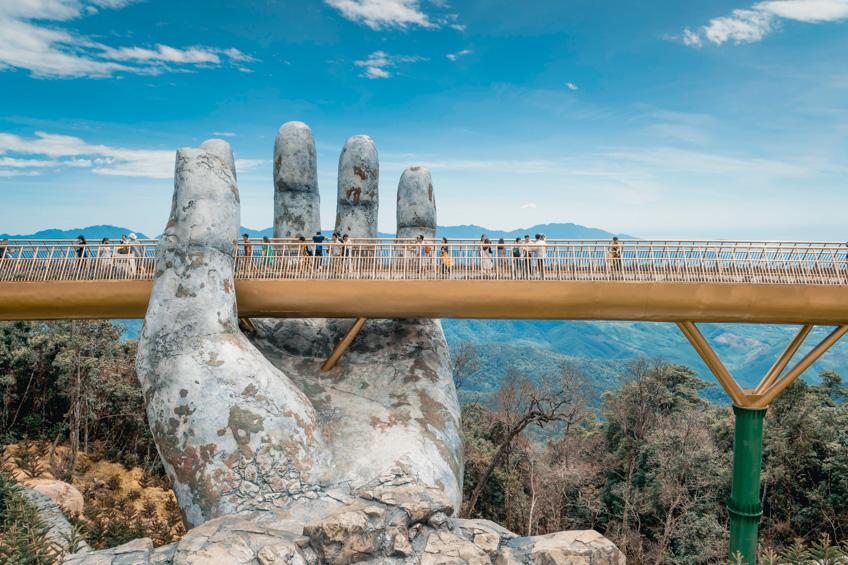 สะพานบนมือยักษ์  Ba Na Hills เที่ยวเวียดนาม ดานัง
