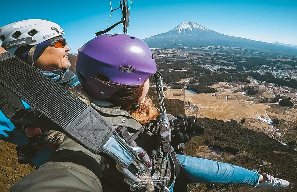 ถ่ายรูป Paragliding ภูเขาฟูจิ ญี่ปุ่น