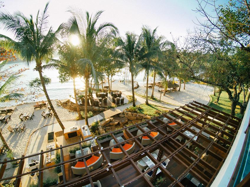 The Beach Natural Resort ที่พักเกาะกูด