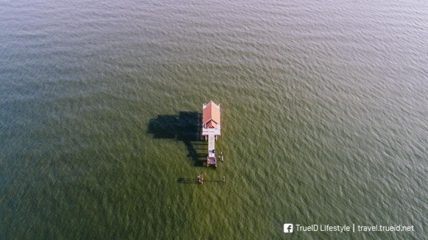 พระกลางน้ำ ที่เที่ยวสมุทรสาคร
