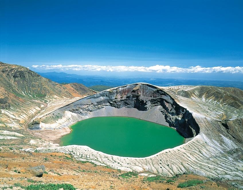 ปากปล่องภูเขาไฟโอคามะ เที่ยวญี่ปุ่นหน้าร้อน