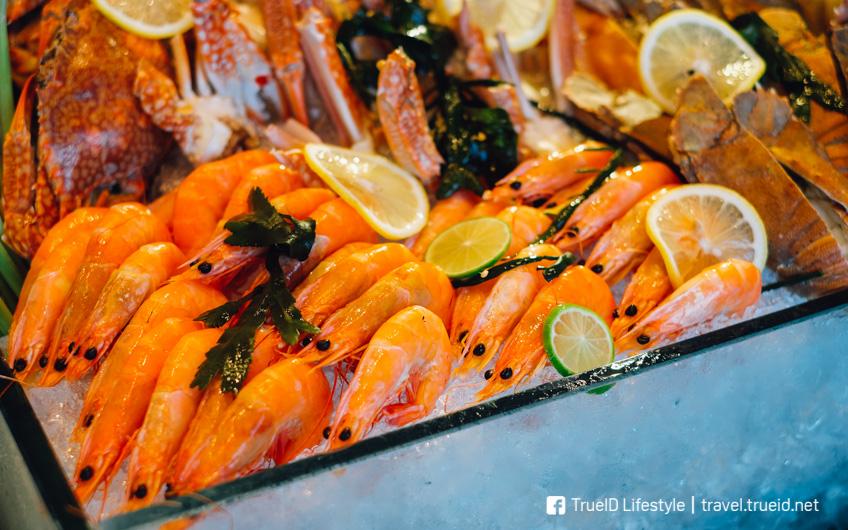 บุฟเฟ่ต์ซีฟู้ด อาหารทะเล ห้องอาหารสกายไลน์ โรงแรมอวานี พลัส ริเวอร์ไซด์ กรุงเทพฯ