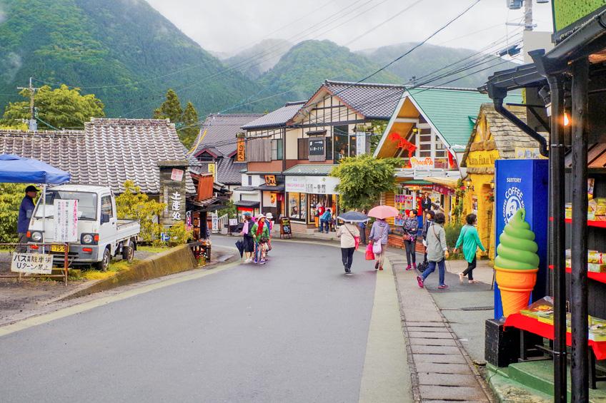 ถนนคนเดิน Yunotsubo เที่ยวญี่ปุ่น