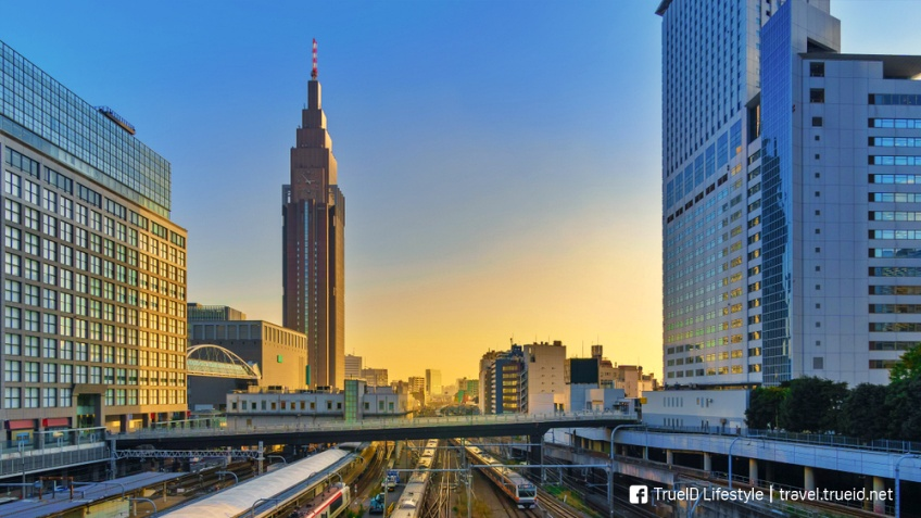 NTT Docomo Yoyogi Building ตามรอย Weathering with You