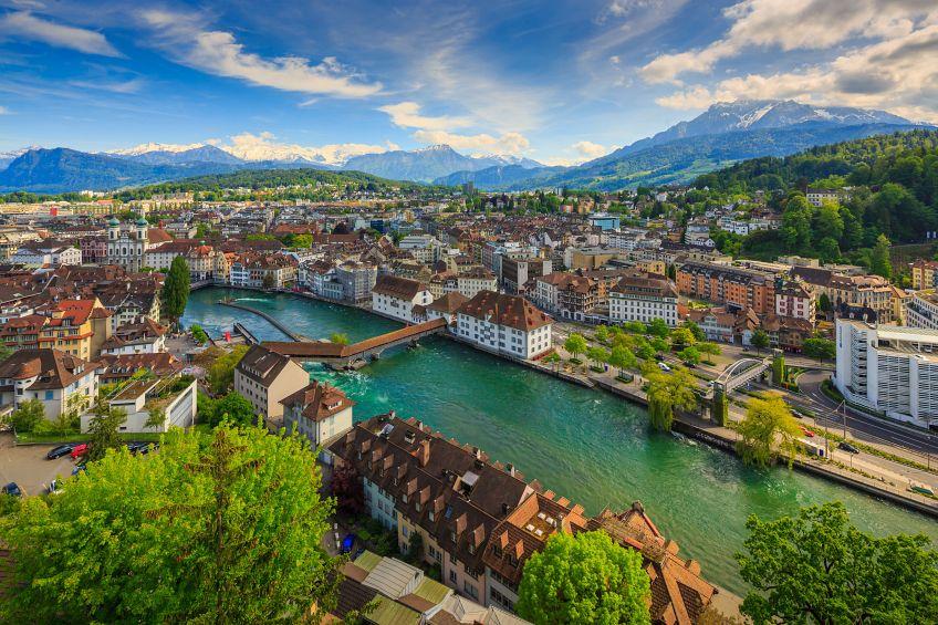 11 ที่เที่ยวยุโรป เที่ยวสบายบินได้ทุกฤดู