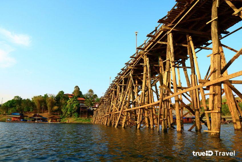 สะพานมอญ สะพานไม้ยาวที่สุดในไทย