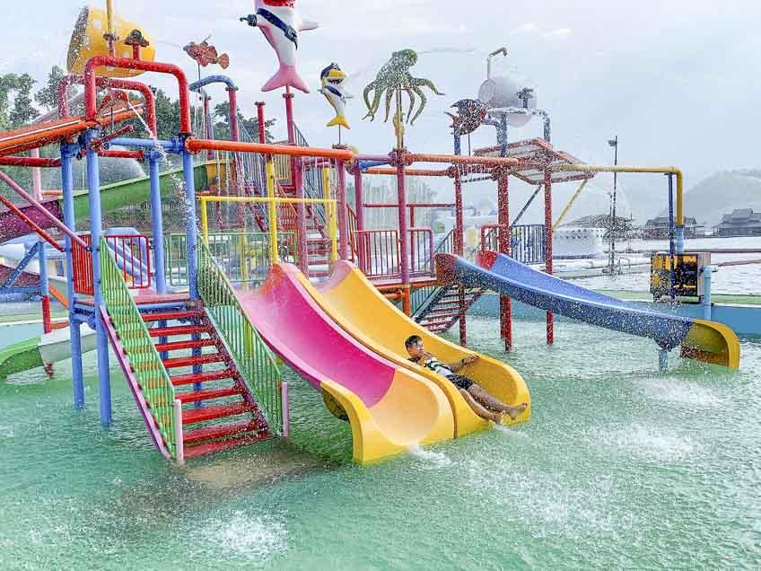แพกาญจนบุรี มีเครื่องเล่น ที่พักสวยLake Haven